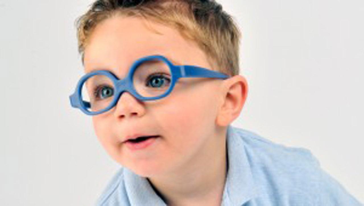 Cuándo debo llevar a mi hijo al oftalmólogo pediatra